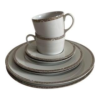 2004 Royal Doulton Platinum Dinnerware Set - 8 Pieces For Sale