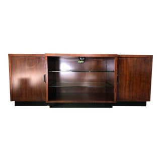 Contemporary Lexington Furniture Central Park Entertainment Console For Sale