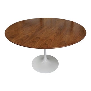 "1960s Mid-Century Modern Eero Saarinen 48"" Walnut Top Dining Table For Sale"