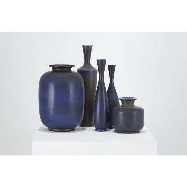 Asian BERNDT FRIBERG Collection of vases Sweden, ca. 1955 For Sale - Image 3 of 3