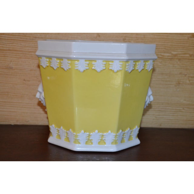 Yellow 1980s Vintage Mottahedeh Lemon & White Porcelain Cachpot For Sale - Image 8 of 10