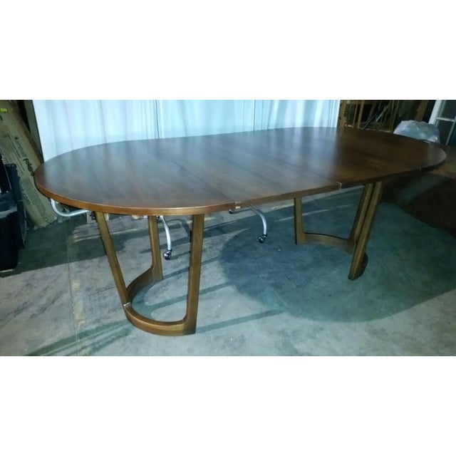 Lane Rhythm Round Dining Table 2 leaves Pads Beautiful original marked Lane table 2 leaves All 5 pads to cover Minor age...