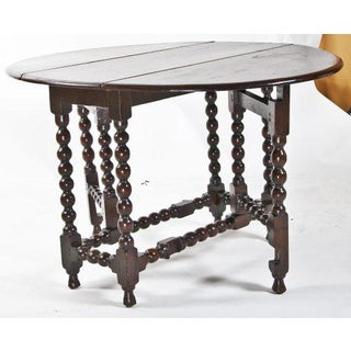 Early English 1720s Elm or Oak Round Table Preview