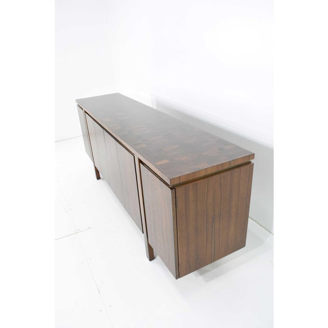 Brown 1960s Widdicomb Credenza or Sideboard in Walnut With Parquet Patterned Top For Sale - Image 8 of 13