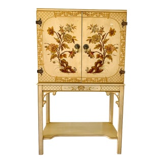Vintage Ca 1950s Chinoiserie Hollywood Regency Fretwork Chinese Chippendale Raised Cabinet Gilt For Sale
