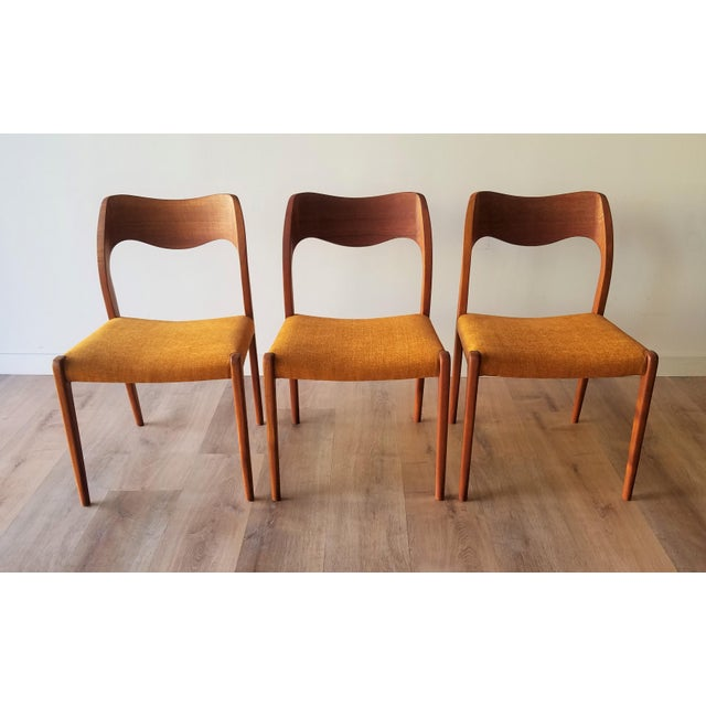 Newly Upholstered 1960s Niels Moller Model 71 Dining Chairs - Set of 6 For Sale - Image 12 of 13