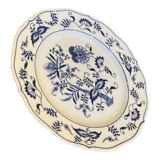 Vintage Blue and White Hutschenreuther Blue Onion Decorative Plate For Sale