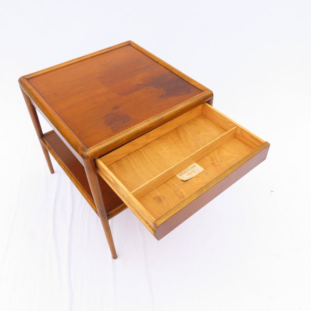 t.h. Robsjohn-Gibbings for Widdicomb Tapered Single Drawer Side Table For Sale In New York - Image 6 of 10