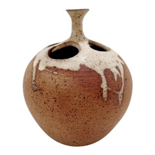 Mid Century Alastair Dunn Isle of Arran Studio Pottery Apple Vase For Sale