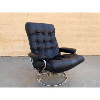 """Scandinavian Modern Ekornes """"Stressless"""" Lounge Chair With New Leather Seat Preview"""