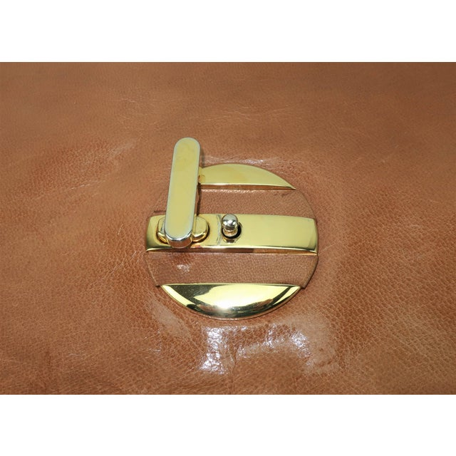 Leather 1970's Bottega Veneta Large Envelope Leather Clutch Handbag For Sale - Image 7 of 12