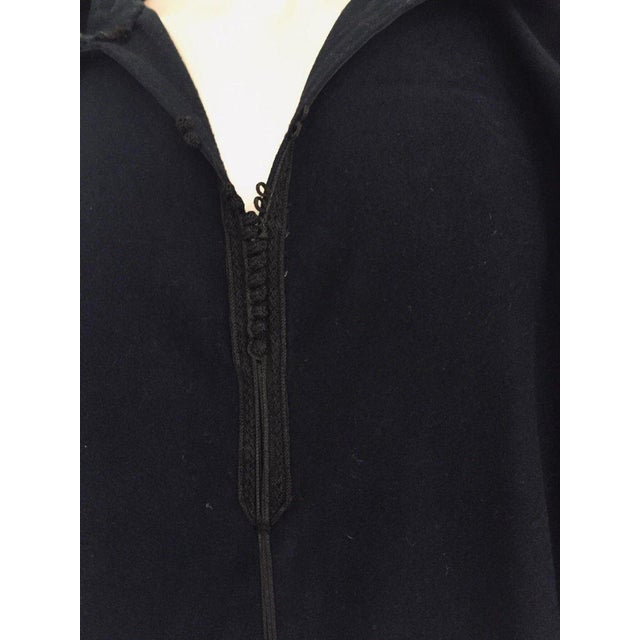 Moroccan Gentleman Hooded Blue Wool Djellaba For Sale - Image 12 of 13