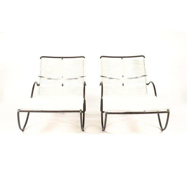Mid Century Walter Lamb for Brown Jordan Bronze Patio S Chaise Lounges – a Pair For Sale In Los Angeles - Image 6 of 12