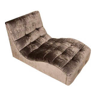 Mid-Century Tufted Velvet Chaise Longue