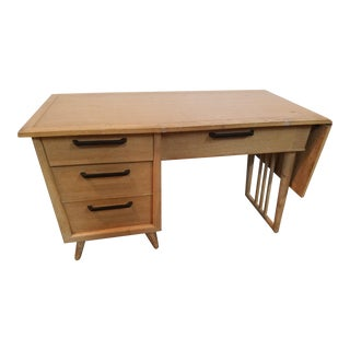 Mid-Century Modern Paul McCobb Style Spindle Leg Desk
