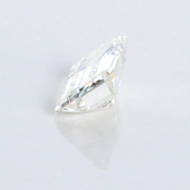 Transparent Stunning Emerald Cut Diamond Stone 4.08 Carat, Gia Certified Report For Sale - Image 8 of 9