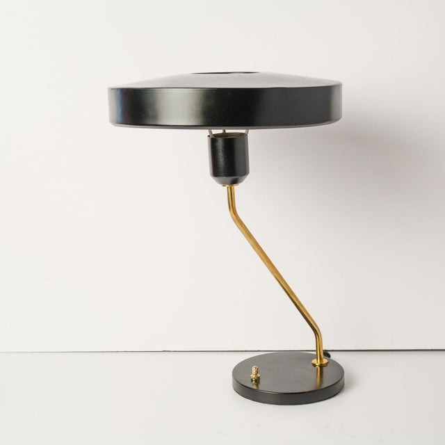 Mid-century desk lamp newly wired for use within the USA. Perfect modern light source for a desk or table.