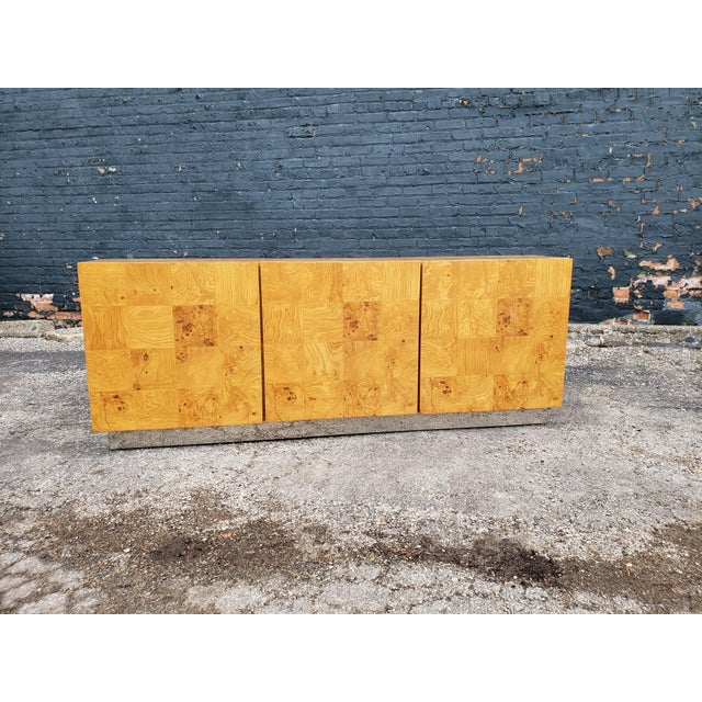 1970s Milo Baughman Burl and Chrome Credenza For Sale - Image 11 of 12