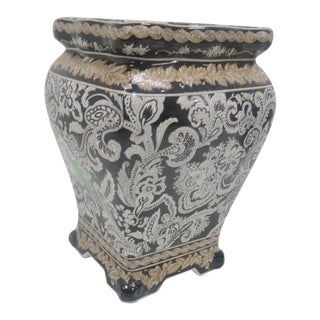 Chinese Scroll Decorated Garden Stool