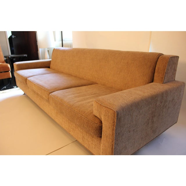 Contemporary Contemporary Mid-Century Modern Style Sofa For Sale - Image 3 of 7