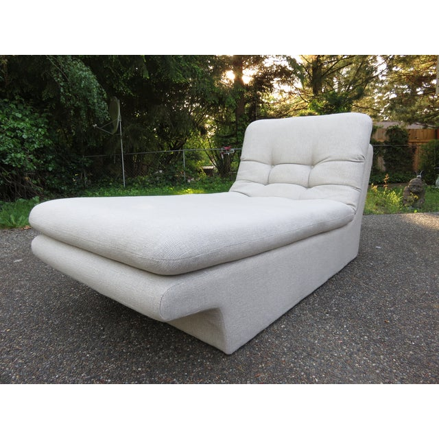 Vladimir Kagan-Style Sculptural Chaise Lounge - Image 3 of 10