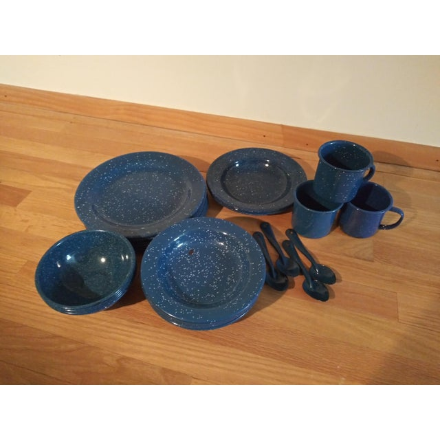 Vintage blue Granitewear set of 33 pieces, perfect for outdoor entertaining, an RV and picnics. Set is in very good...