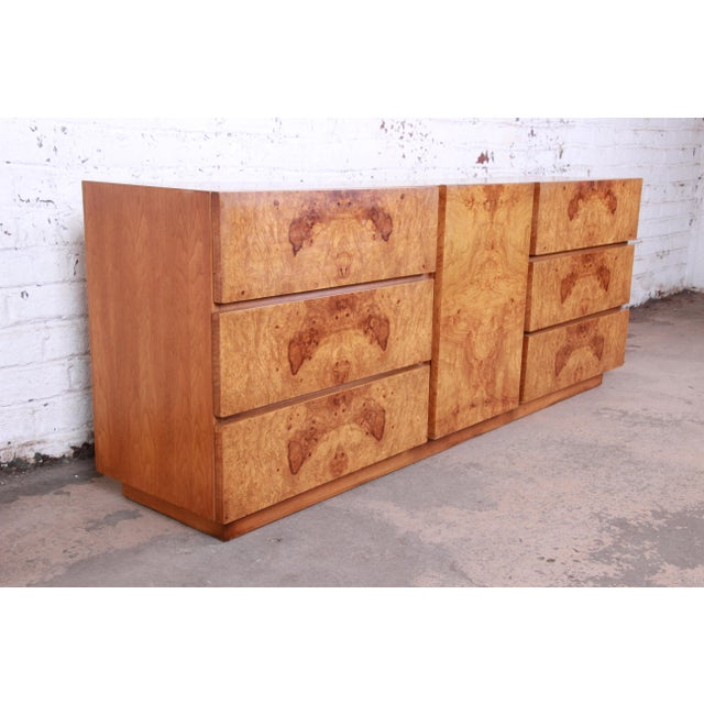Mid-Century Modern Milo Baughman Style Burl Wood Long Dresser or Credenza by Lane For Sale - Image 3 of 13