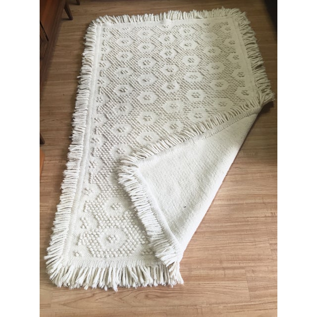 "White Wool Rug - 4'5"" x 7'1"" - Image 4 of 10"