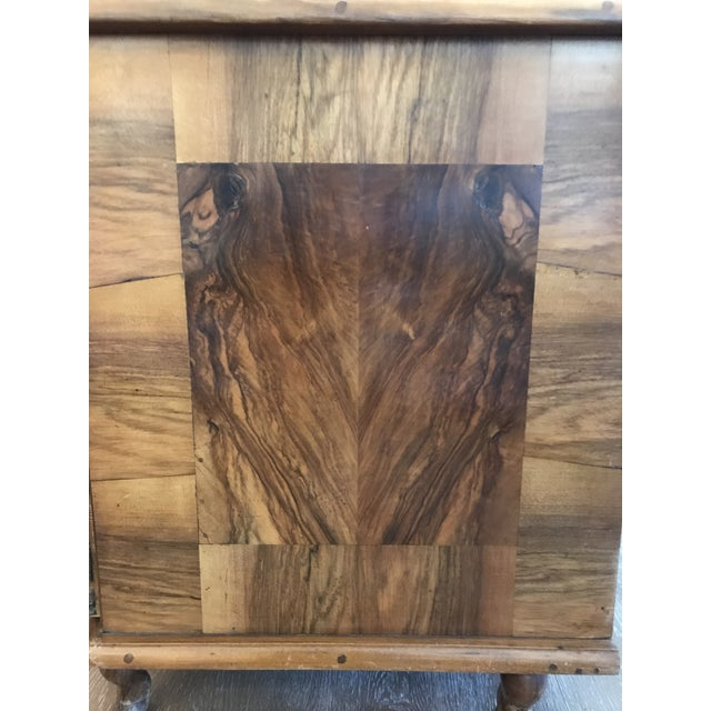 18th Century Italian Burl Walnut Chest of Drawers For Sale In Kansas City - Image 6 of 10