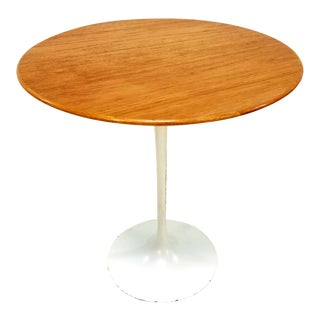 Knoll Saarinen Mid-Century Wood Veneer Side Table For Sale