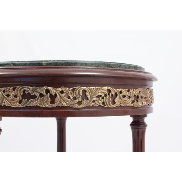 1990s Vintage Green Marble Oval Accent Table For Sale In San Francisco - Image 6 of 8