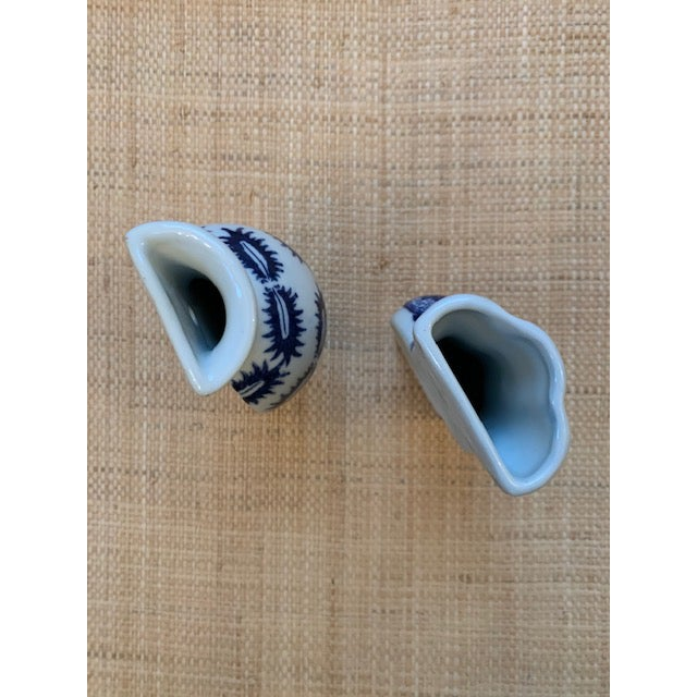 Asian Chinoiserie Blue and White Wall Pockets - a Pair For Sale - Image 3 of 5