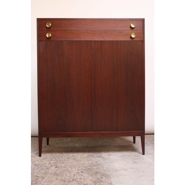 Midcentury Walnut and Brass Gentleman's Chest after Paul McCobb For Sale - Image 9 of 9