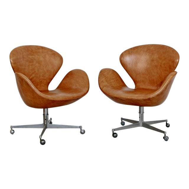 Mid-Century Modern Arne Jacobsen Frtiz Hansen Swivel Leather Swan Chairs - a Pair For Sale