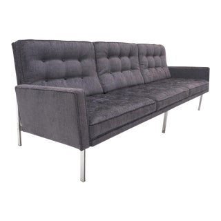 Florence Knoll Parallel Bar Sofa, Early Production, Restored, Excellent For Sale