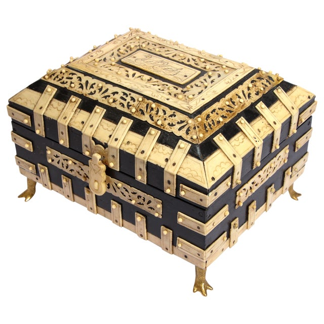 Large Decorative Anglo-Indian Vizagapatam Footed Box For Sale
