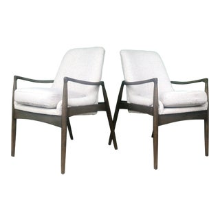 Mid Century Style Accent Chairs a Pair For Sale