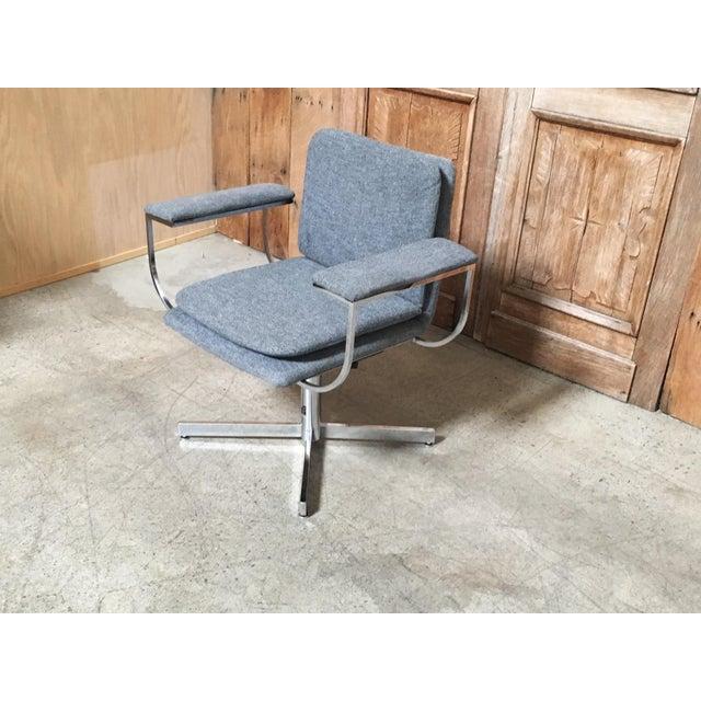 Mid-Century Modern Fortress Blue Upholstered Chrome Swivel Desk Chair - Image 4 of 10