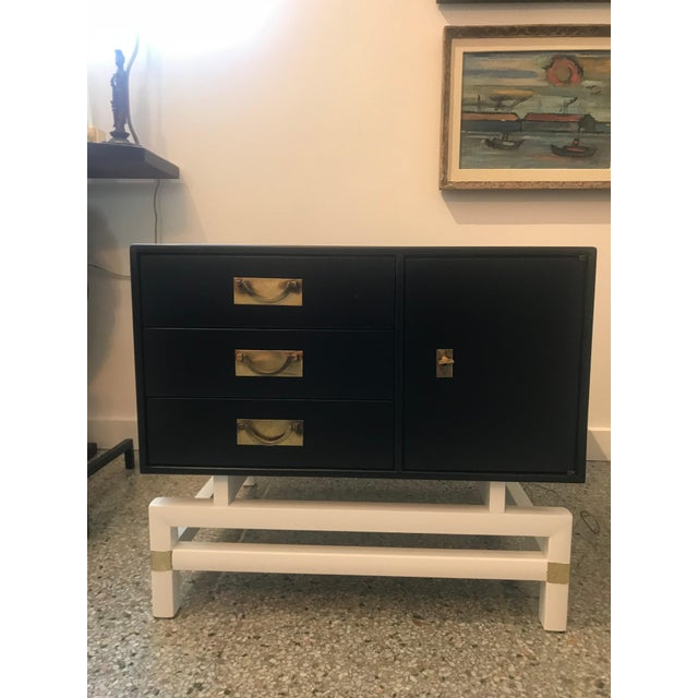 Mid-Century Modern Black and Brass Nightstands on White Base - a Pair For Sale - Image 4 of 10