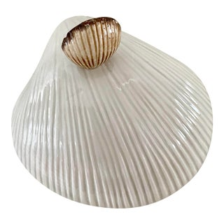 Vintage Fitz and Floyd Large Shell Decorative Bowl With Shell Lid For Sale