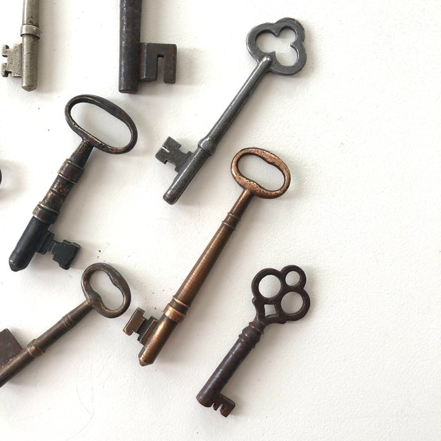 Set of 9 Antique & Vintage Keys For Sale - Image 9 of 13