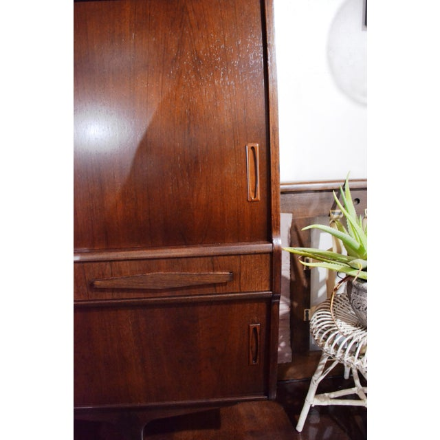 Danish Modern Rosewood Credenza by Poul M Jessen for Pmj Viby For Sale In Miami - Image 6 of 13