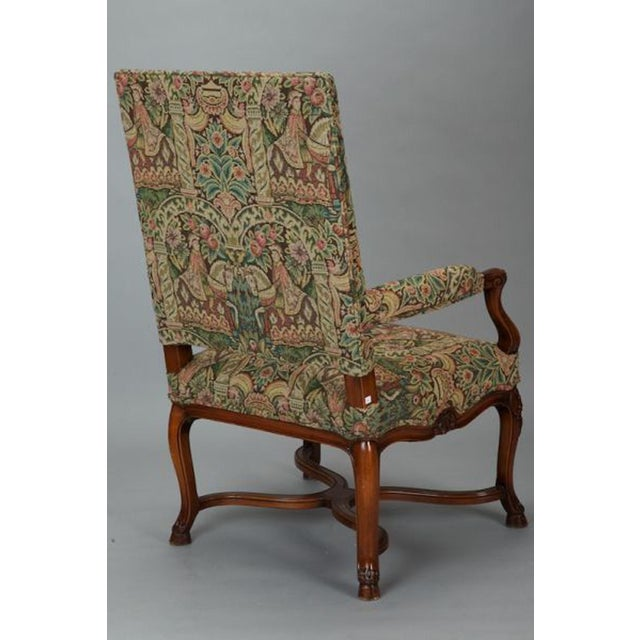 French 19th Century Bergere Covered In Old World-Style Tapestry For Sale - Image 4 of 8