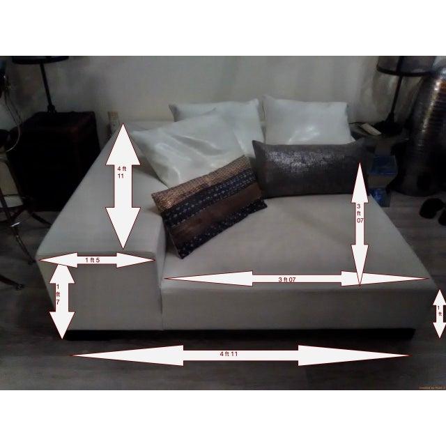 Modern White Leather Minimal Square Sofa - Image 10 of 10