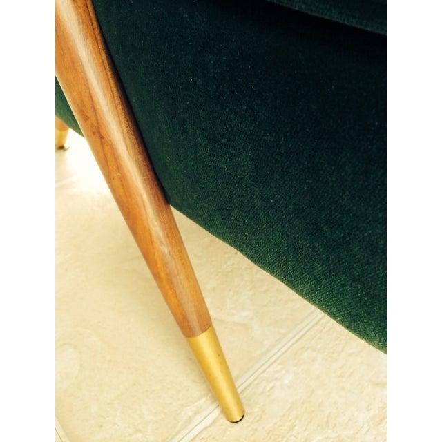 Mid-Century Emerald Green Velvet Chair For Sale - Image 5 of 7