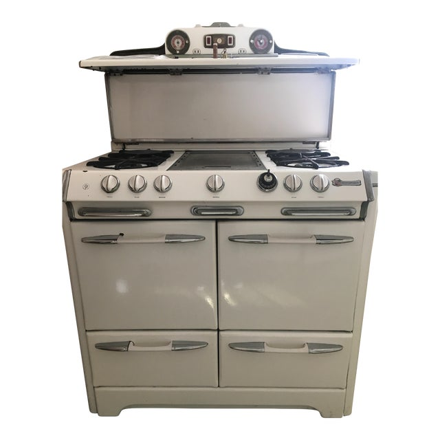 1950s Vintage O'Keefe & Merritt Stove With Griddle - Image 1 of 9
