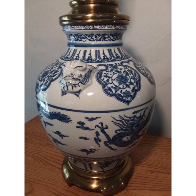 Asian 1960s Paul Hanson Blue & White Chinoiserie Dragon Porcelain Table Lamps - A Pair For Sale - Image 3 of 12