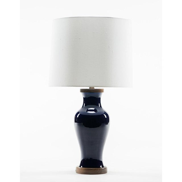 2010s Lawrence & Scott Gabrielle Baluster Porcelain Lamp in Cobalt With Hand Turned Walnut Base For Sale - Image 5 of 5
