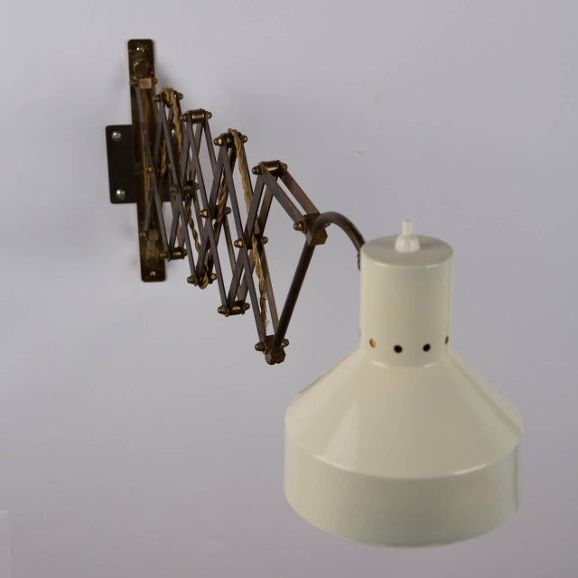 Italian 1950s Expandable Wall Lamp For Sale - Image 5 of 8