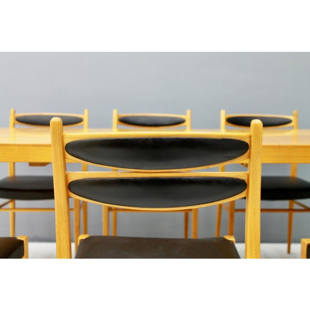 Dining Room Set With Six Chairs in Cherry Wood and Black Leather 1957 For Sale - Image 9 of 10